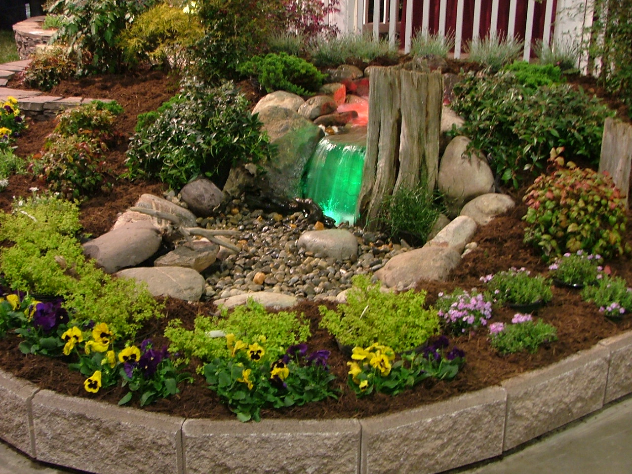 Fredericksbug virginia landscaping with water features for Garden feature ideas