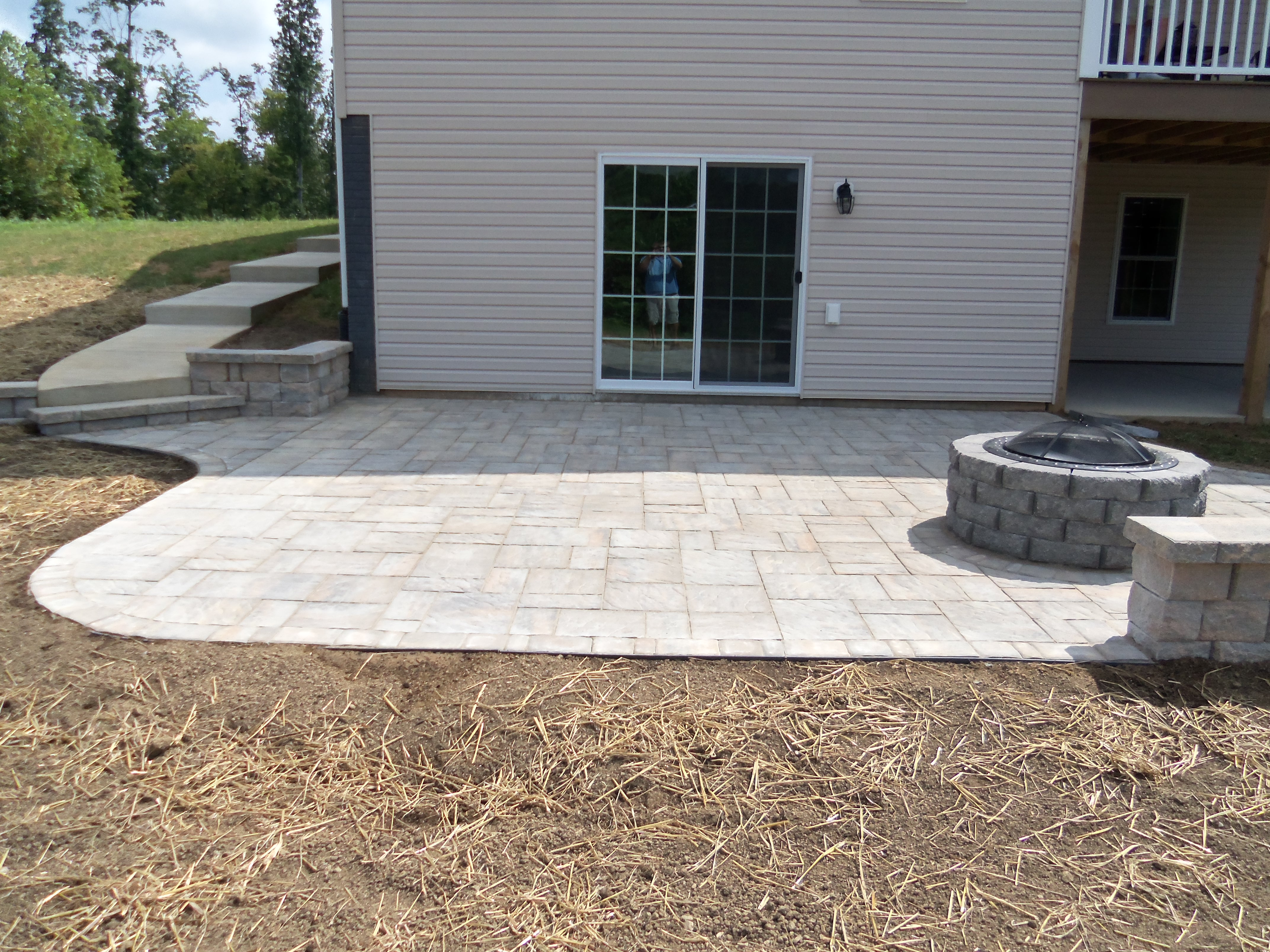 Landscaping virginia brick paver patio backyard for Patio landscaping